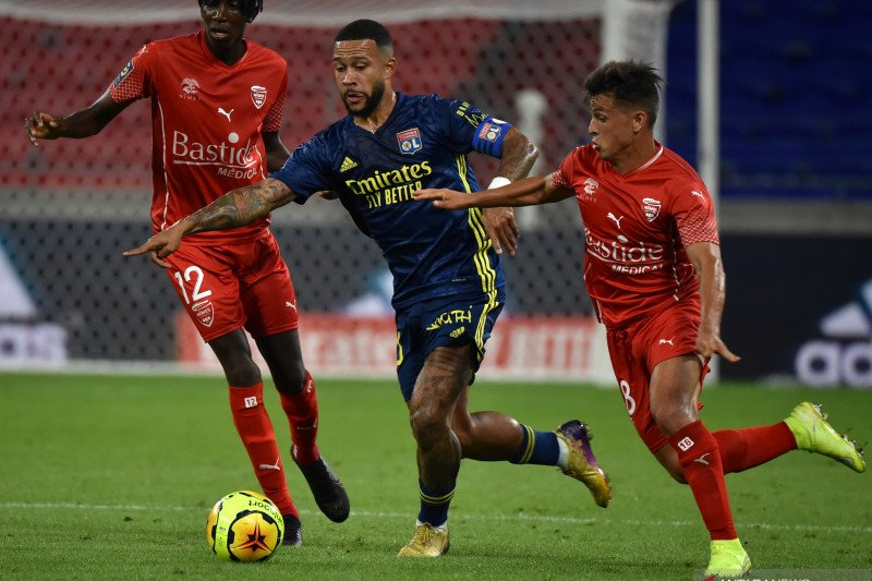 Olympique Lyonnais bermain imbang dengan Nimes