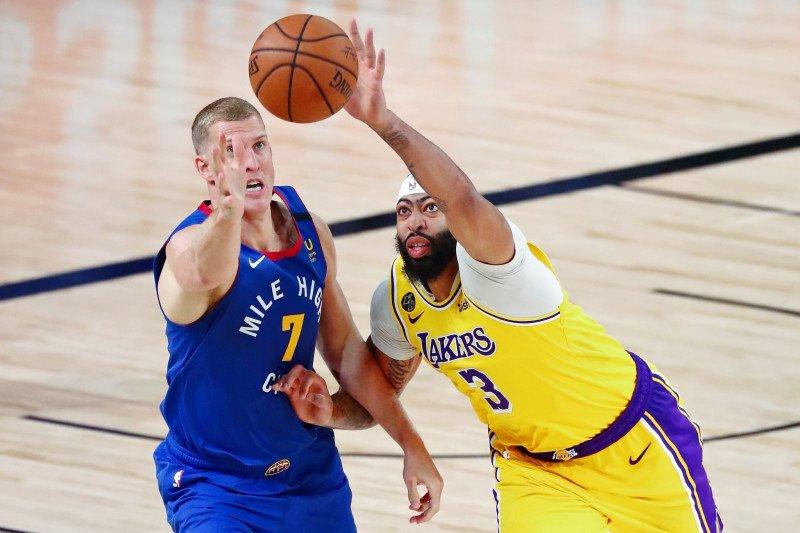 Lakers pecundangi Nuggets di gim pertama final Wilayah Barat
