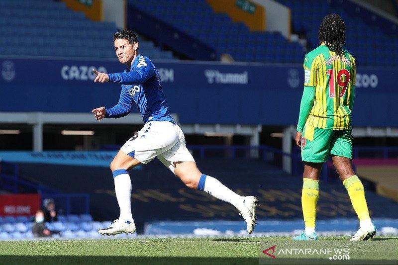 James cetak gol perdana saat Everton lumat West Brom 5-2