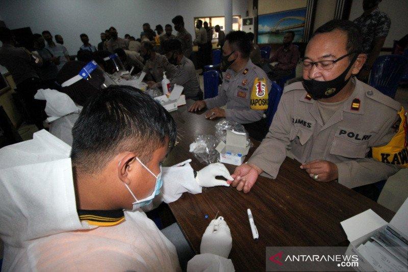 370 personel Polres Palu jalani rapid test COVID-19
