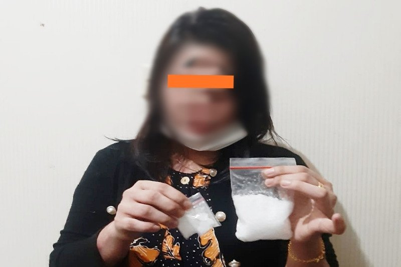Polda Kalteng tangkap ibu rumah tangga di Sampit diduga mengedarkan sabu-sabu