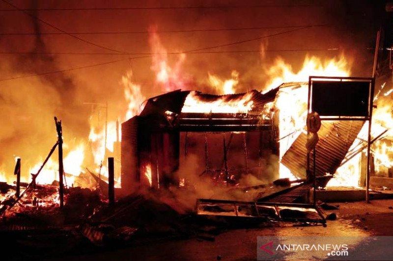 Delapan bangunan di Pasa Maninjau terbakar, ini total kerugiannya