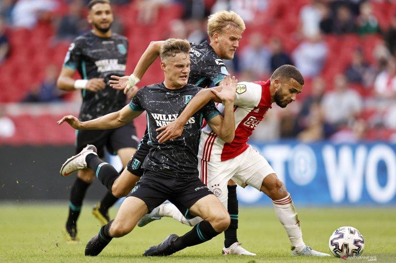 Ajax melumat RKC Waalwijk tiga gol tanpa balas
