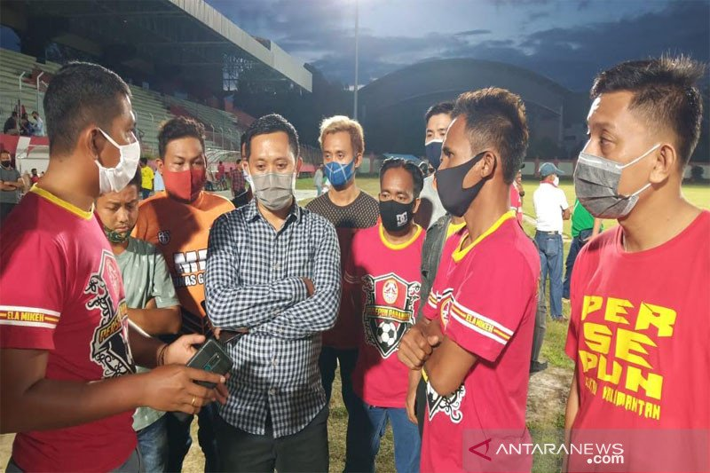 Pegiat olahraga di Palangka Raya sampaikan keluhan ke Anggota DPRD
