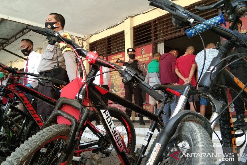 "Polisi Kendari tangkap enam pelajar komplotan pencuri sepeda ""berkelas"""