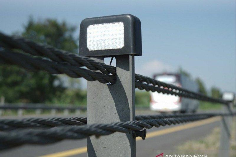 Pengelola Tol Cipali pasang pembatas sling baja untuk minimalisasi kecelakaan