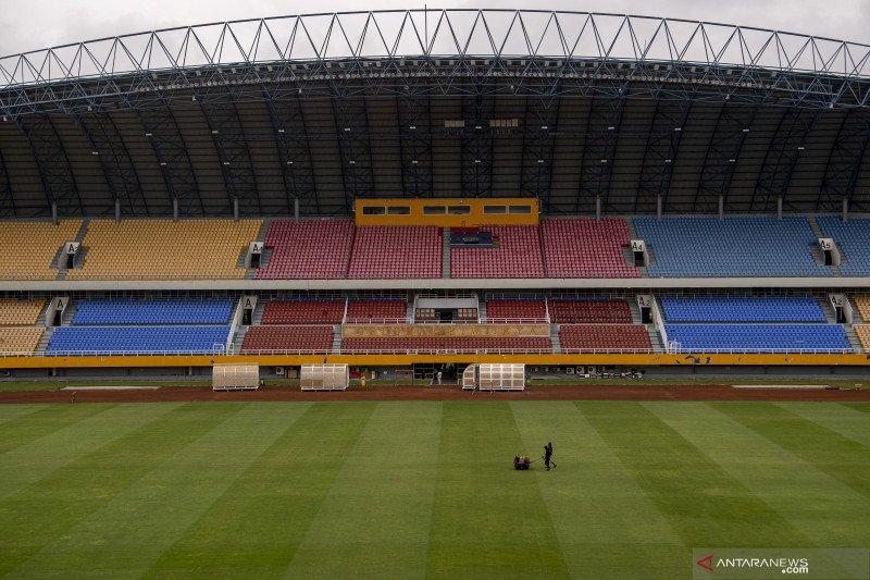 Perawatan Rumput Stadion Gelora Sriwijaya Jakabaring