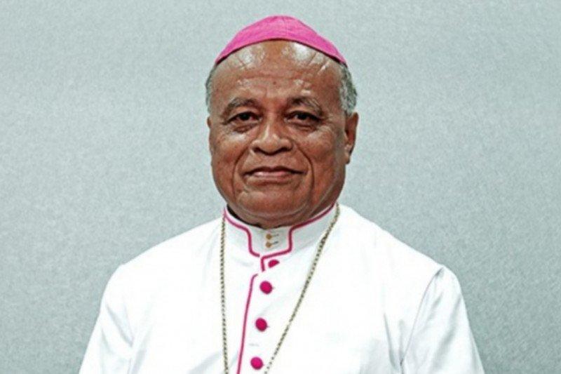 Uskup Larantuka larang umat Katolik gelar pesta cegah COVID