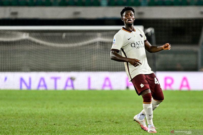 AS Roma dinyatakan kalah 0-3 dari Verona akibat pemain tidak didaftarkan
