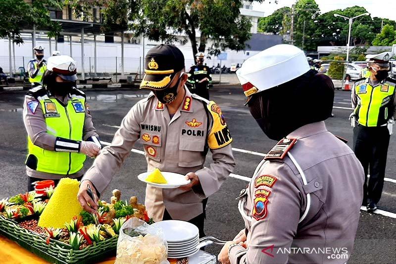 Anggota Satlantas Banyumas diminta tingkatkan profesionalisme dalam melayani masyarakat
