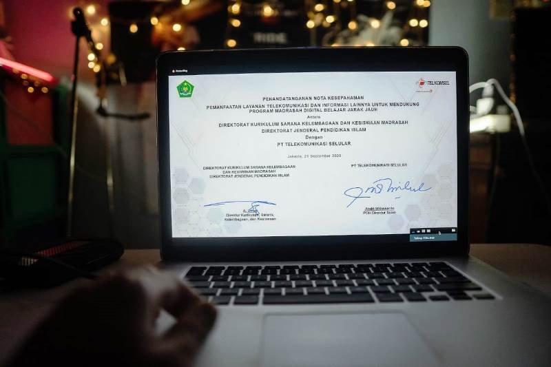 Telkomsel bersama Kemenag dukung program Madrasah Digital Jarak Jauh