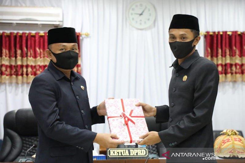 Bupati Bantaeng serahkan Ranperda APBD-P 2020