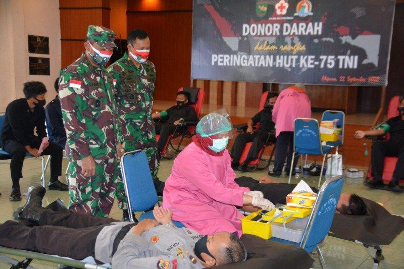 Danrem 172 Brigjen Izak: donor darah kegiatan kemanusiaan peringati HUT TNI