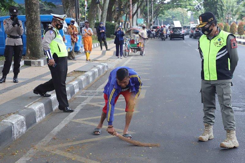 Pelanggar protokol kesehatan di Kota Malang mulai turun