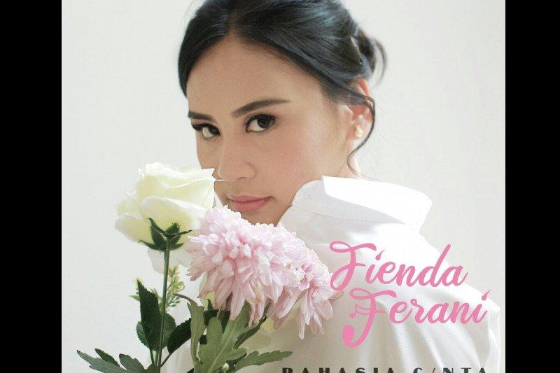 Barry Likumahuwa jadi produser di lagu debut Fienda Ferani