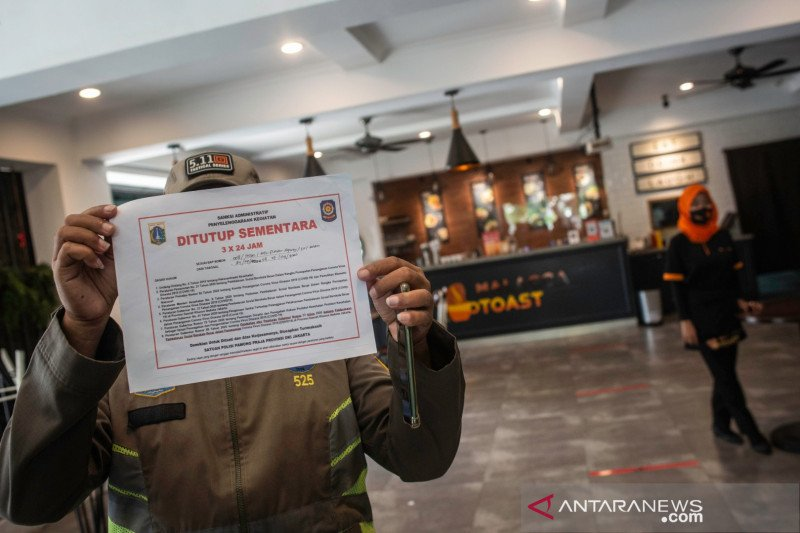 Five business sites in North Jakarta sealed over PSBB violation