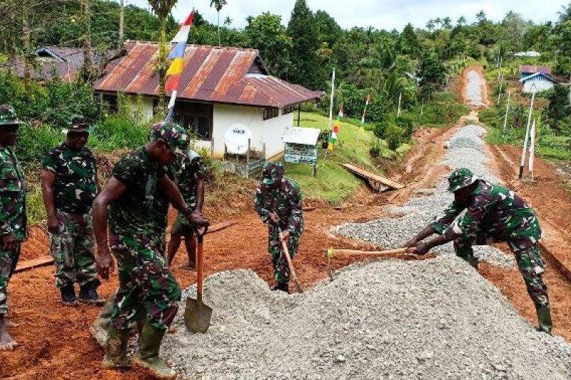 Satgas TMMD bangun jalan Kampung Kakuna Boven Digoel Papua