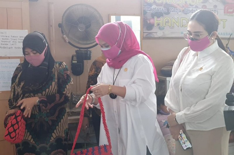 KPP DPRD Sulsel apresiasi hasil karya warga binaan Rutan Makassar