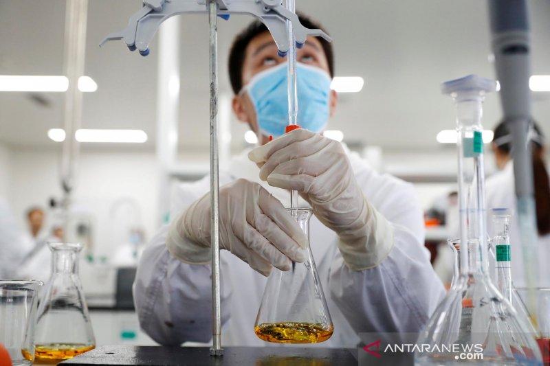Pfizer dan Moderna ketahui keampuhan vaksin COVID-19 pada Oktober dan November, Sinovac China tahun ini