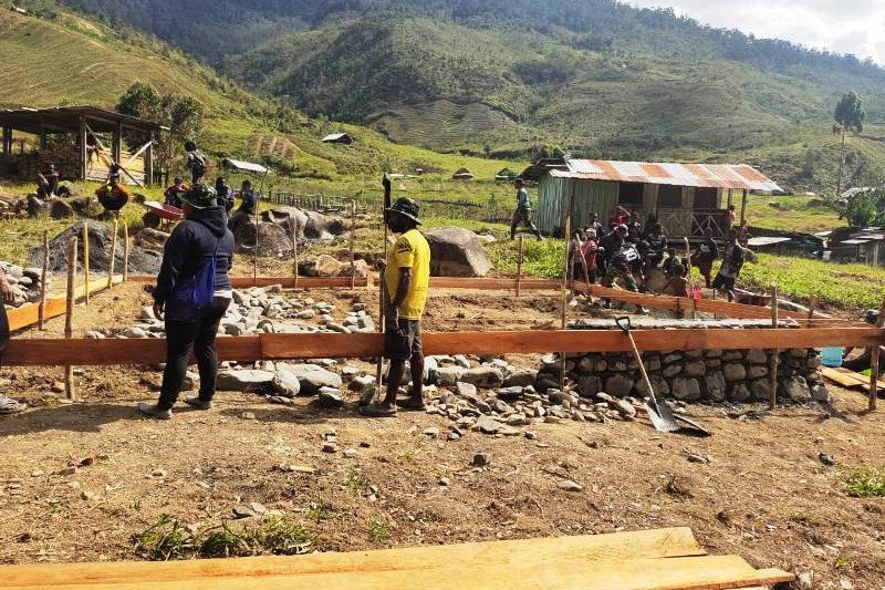 Satgas TMMD rampungkan bangunan balai penyuluhan KB Kampung Nioga