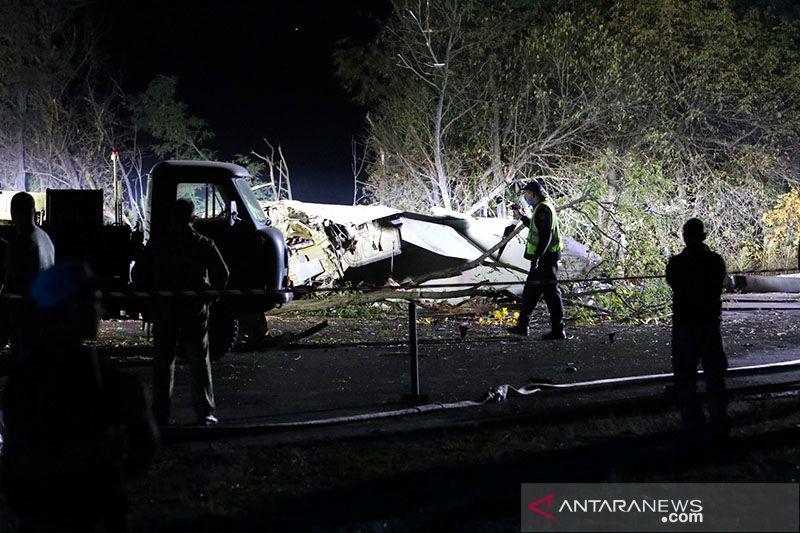 Pesawat militer pengangkut taruna AU jatuh di Ukraina, 22 tewas