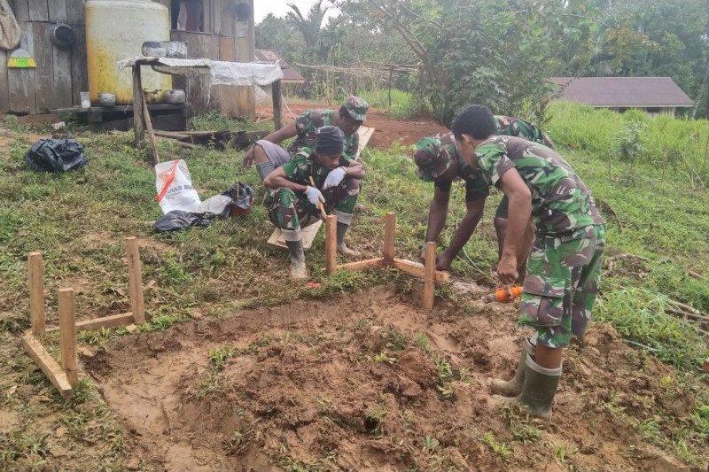 Satgas TMMD bangun 10 jamban warga kampung Kakuna Boven Digoel