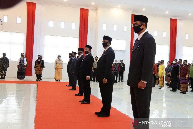 Gubernur Laiskodat kukuhkan enam penjabat bupati di NTT