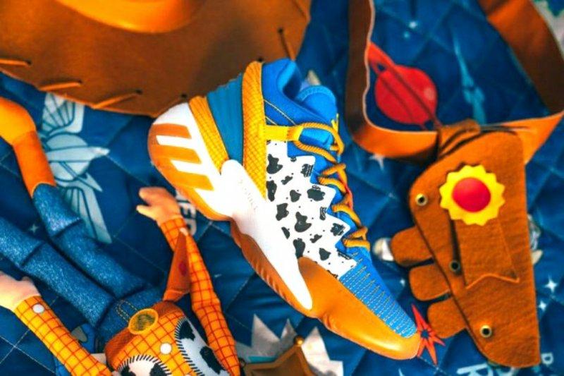"Kolaborasi dengan ""Toy Story"", Adidas luncurkan koleksinya"