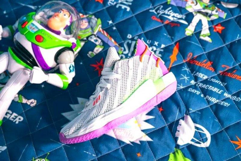 Adidas kolaborasi dengan 'Toy Story'