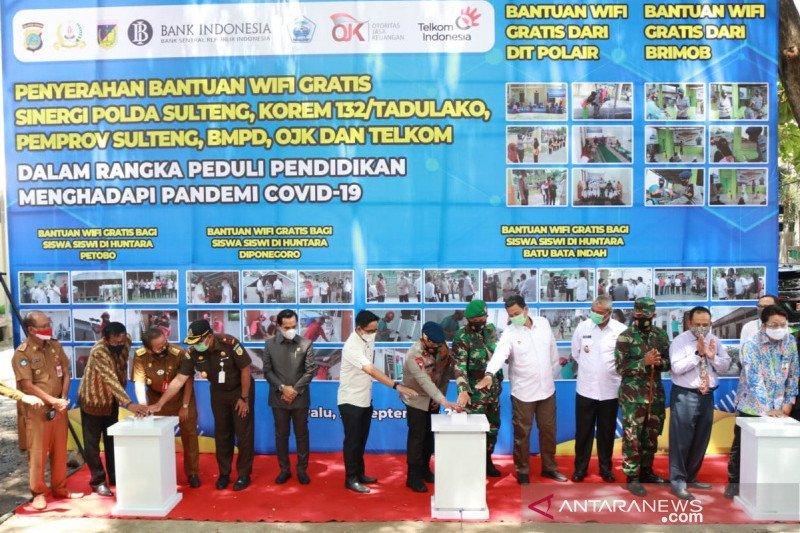 Kapolda fasilitasi wifi gratis bagi anak korban bencana di Huntara Palu