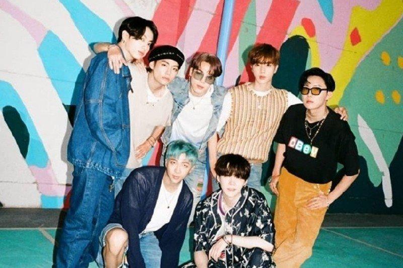 """Grup K-Pop BTS rilis album """"Be"""" pada 20 November"""