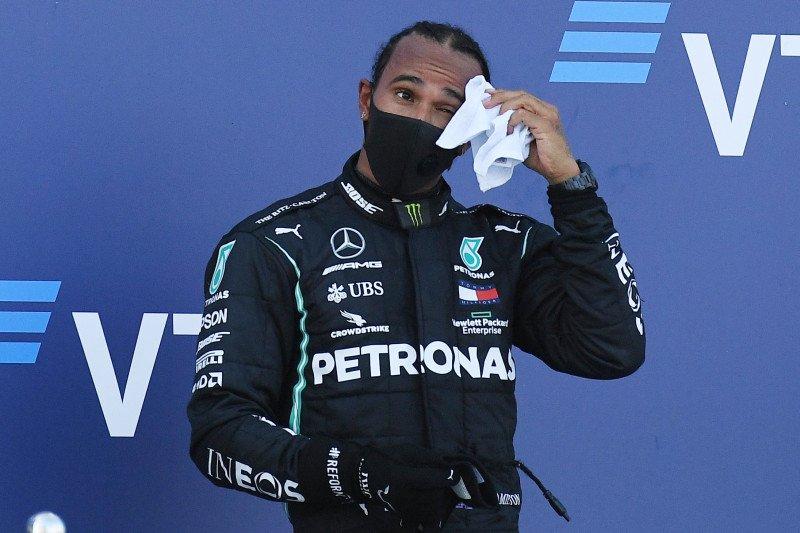 Steward membatalkan penalti poin Hamilton di GP Rusia