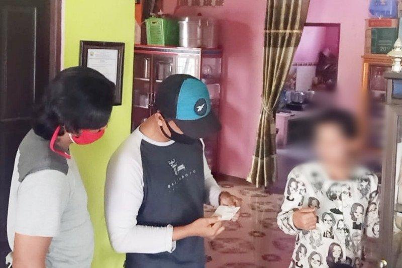 Seorang ibu muda di Kapuas ditangkap polisi karena togel