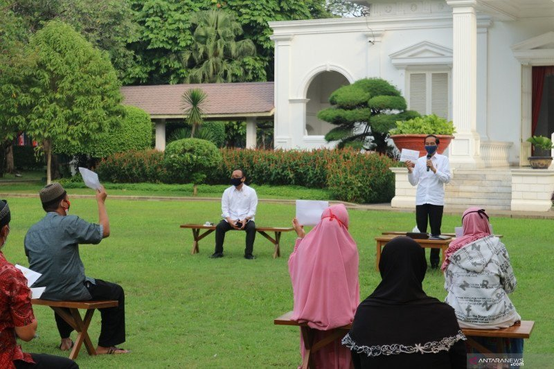 Penjual odading bersyukur atas bantuan modal dari Presiden Jokowi
