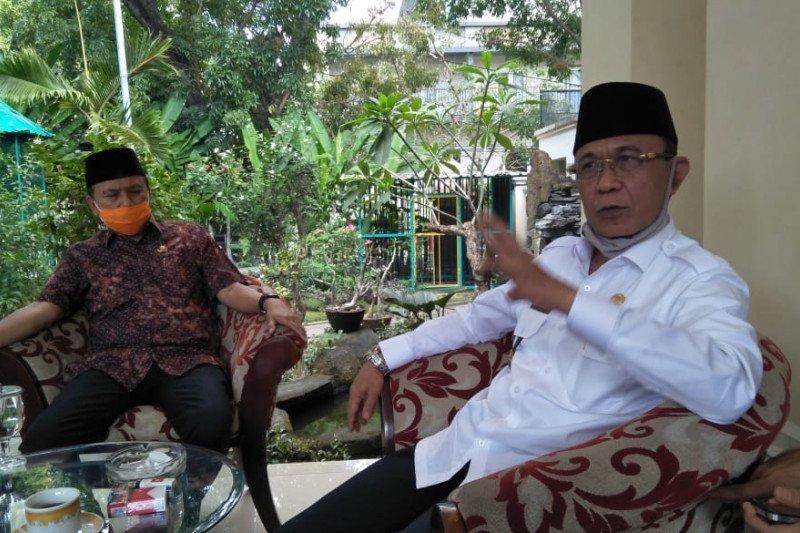 Wali Kota Mataram mengajak masyarakat berhemat antisipasi resesi ekonomi