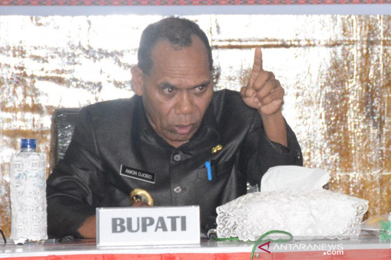 Bupati Alor siap lepas jabatan jika warganya meninggal karena COVID