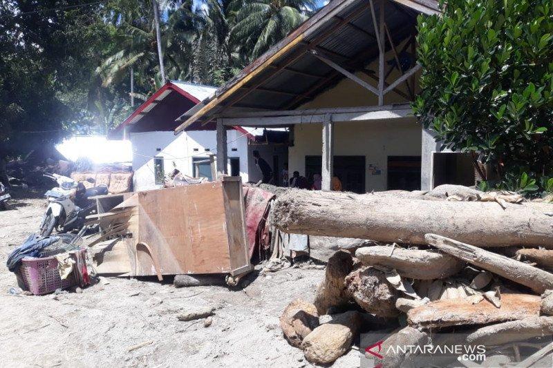 BPBD:  Bantuan korban banjir bandang di Sigi terus mengalir