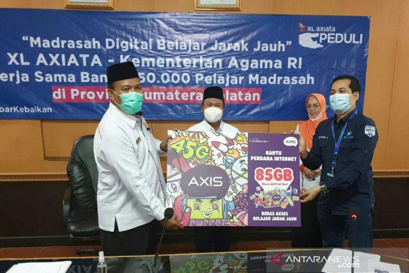 Kemenag Sumsel dan XL salurkan 250.000 paket internet gratis untuk siswa