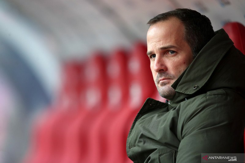 Schalke 04 tunjuk Manuel Baum  pelatih baru