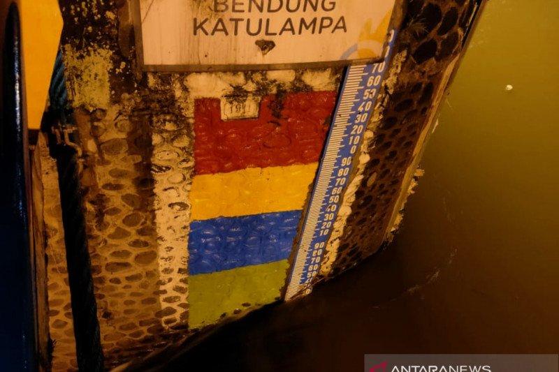 Hujan gerimis, tinggi air Bendung Katulampa Bogor masih normal