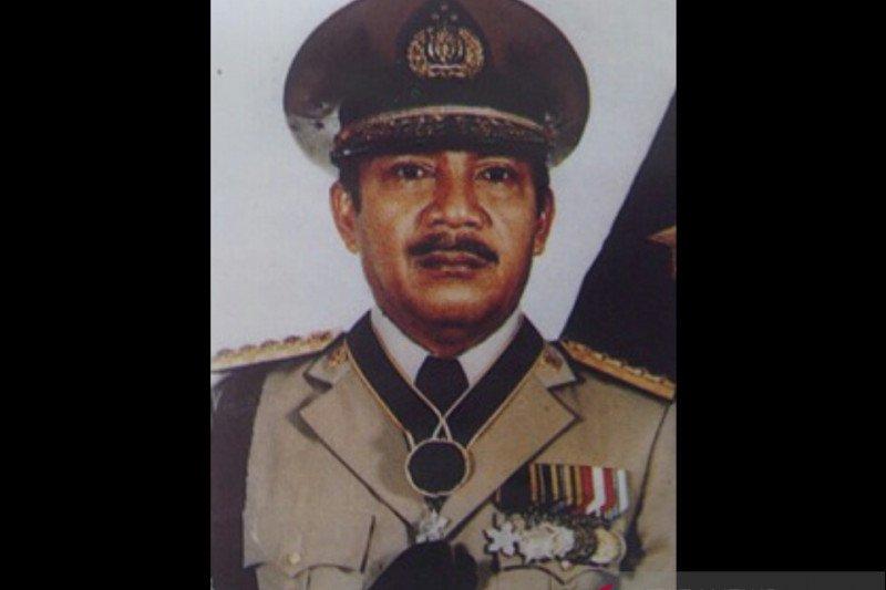 Mengenal sosok Bapak Satpam Indonesia Jenderal Polisi Awaloedin Djamin