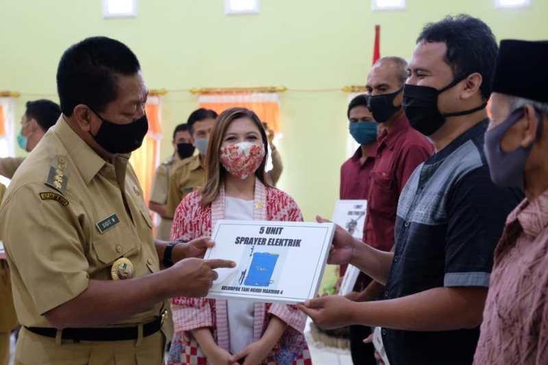 Tiga kelompok tani Kota Magelang terima bantuan alsintan dari Kementan