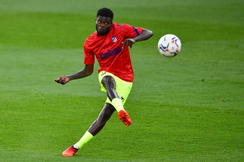 Alex Telles ke MU, Partey menuju Arsenal, Walcott ke Southampton