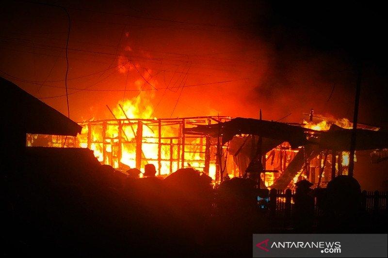 Api hanguskan rumah tokoh masyarakat Baamang Sampit