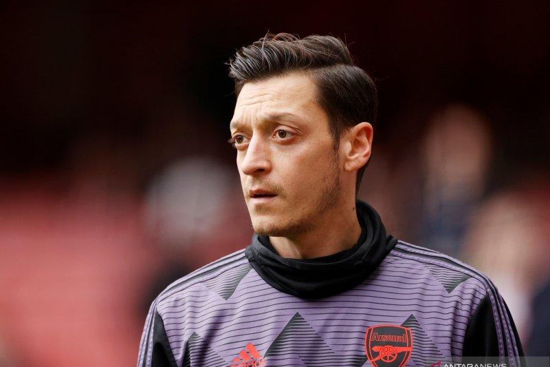 Arsenal dan Mesut Oezil akhirnya berpisah
