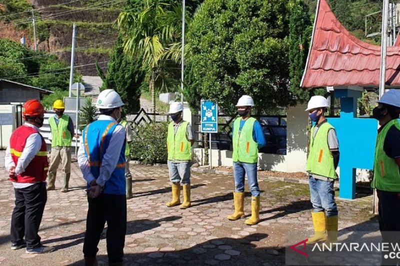 Kerja keras PLN demi seberkas cahaya di Desa Makalo