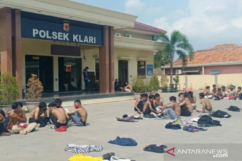 Polisi tangkap 141 pelajar yang berunjukrasa di Karawang