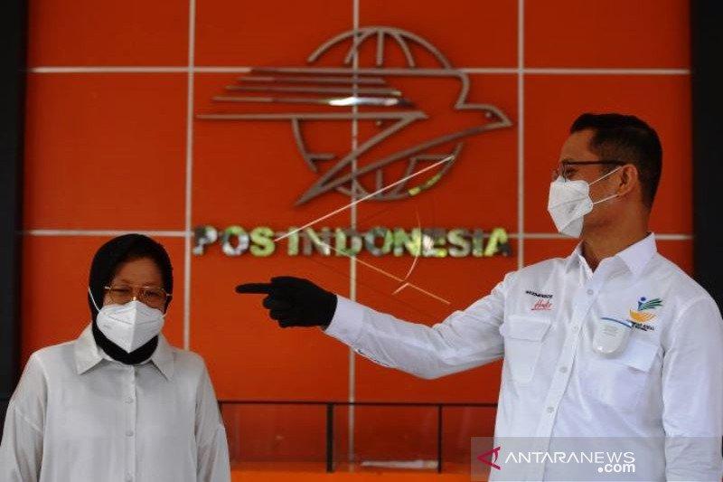Mensos Pantau Penyaluran BLT Di Surabaya