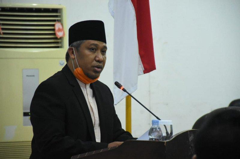 Plt Bupati sampaikan penjelasan lima Raperda ke DPRD KLU