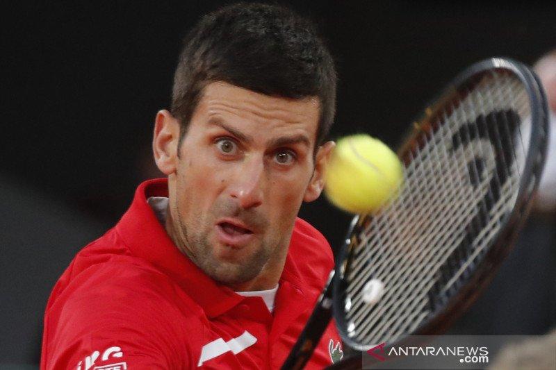 Novak Djokovic atasi perlawanan ketat Tsitsipas untuk tantang Nadal di final